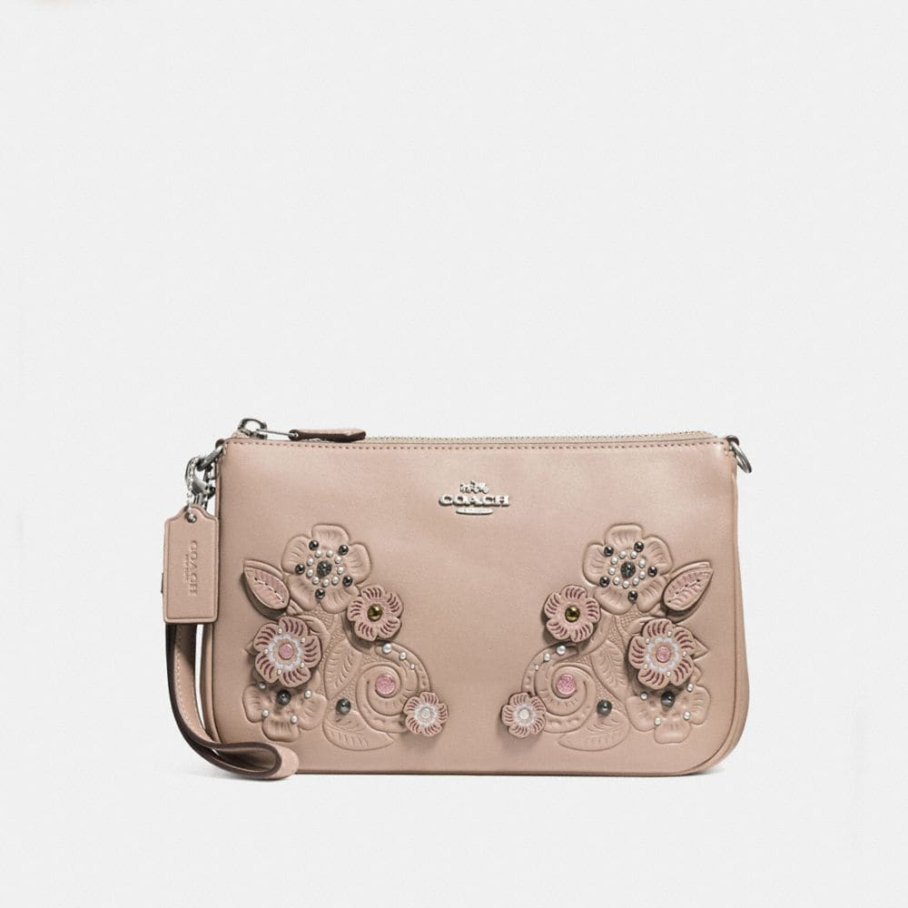 NOLITA WRISTLET 22 WITH TEA ROSE AND TOOLING