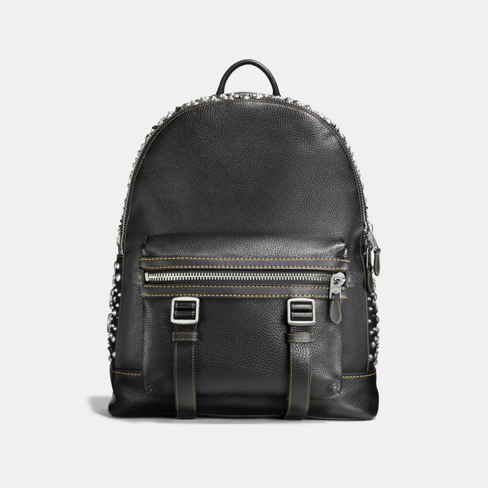STUDS FLAG BACKPACK IN PEBBLE LEATHER