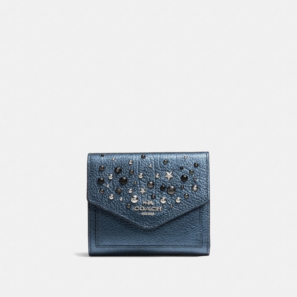 SMALL WALLET IN METALLIC LEATHER WITH STAR RIVETS