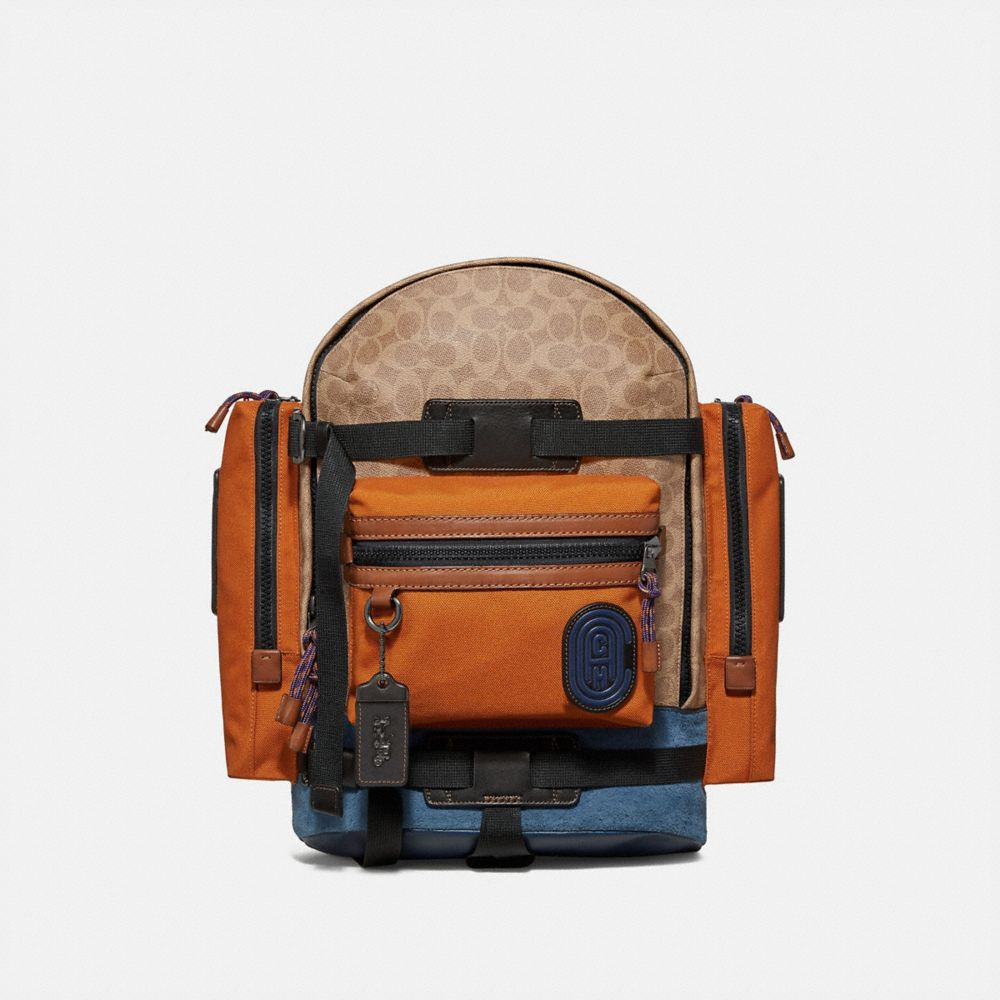RIDGE BACKPACK IN SIGNATURE CANVAS WITH COACH PATCH