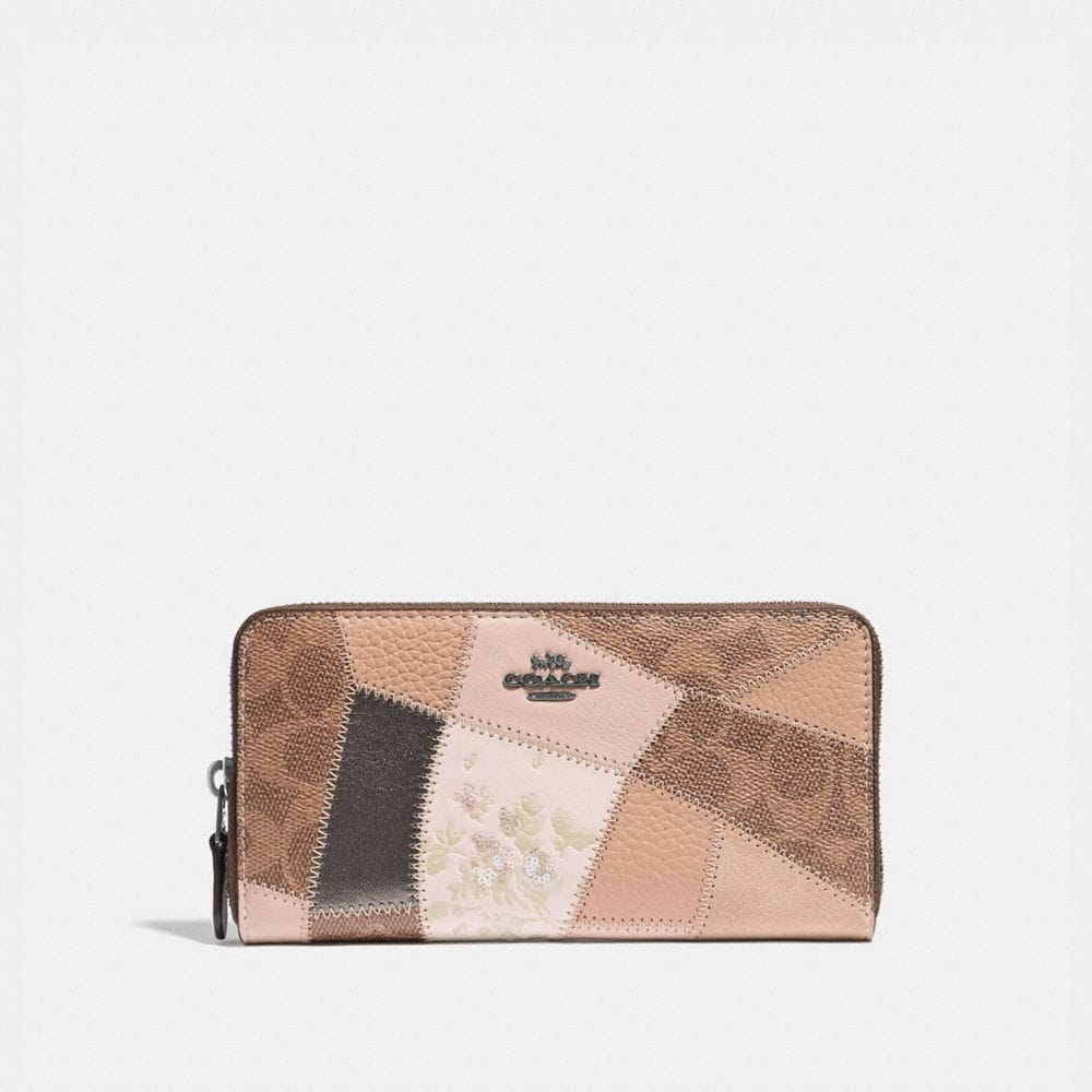 ACCORDION ZIP WALLET WITH SIGNATURE PATCHWORK