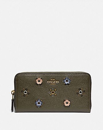ACCORDION ZIP WALLET WITH SCATTERED RIVETS
