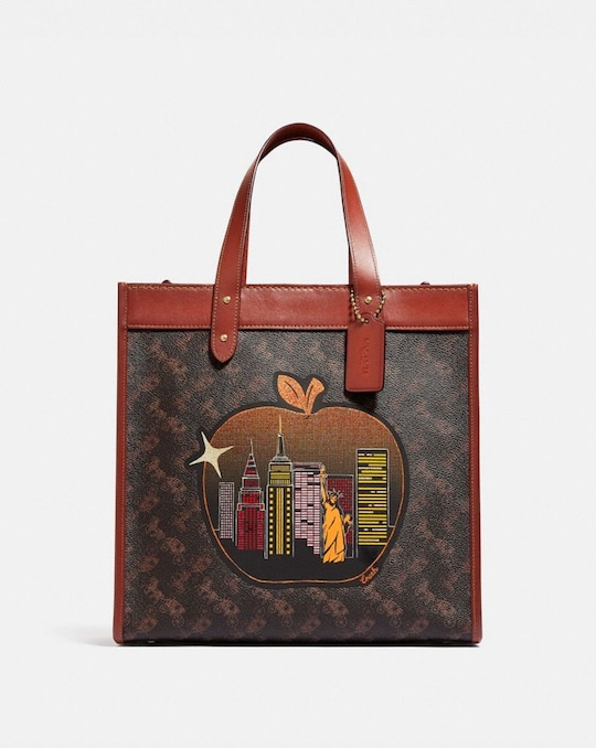 FIELD TOTE IN SIGNATURE CANVAS WITH BIG APPLE SKYLINE
