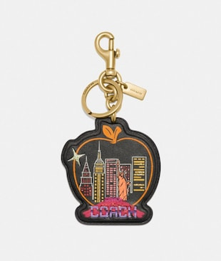 SOUVENIR SKYLINE APPLE BAG CHARM