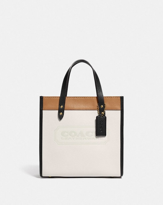 FIELD TOTE 22 IN COLORBLOCK WITH COACH BADGE