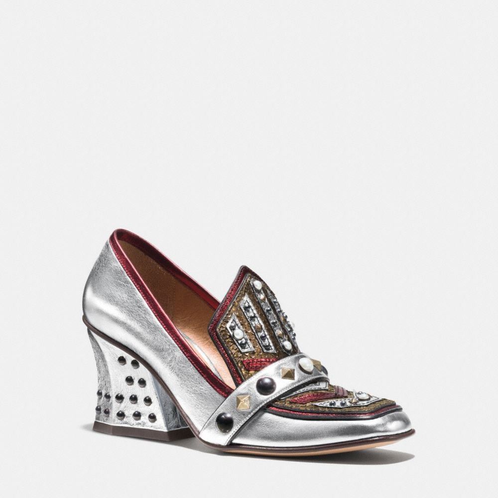 HIGH VAMP LOAFER WITH SHIELD